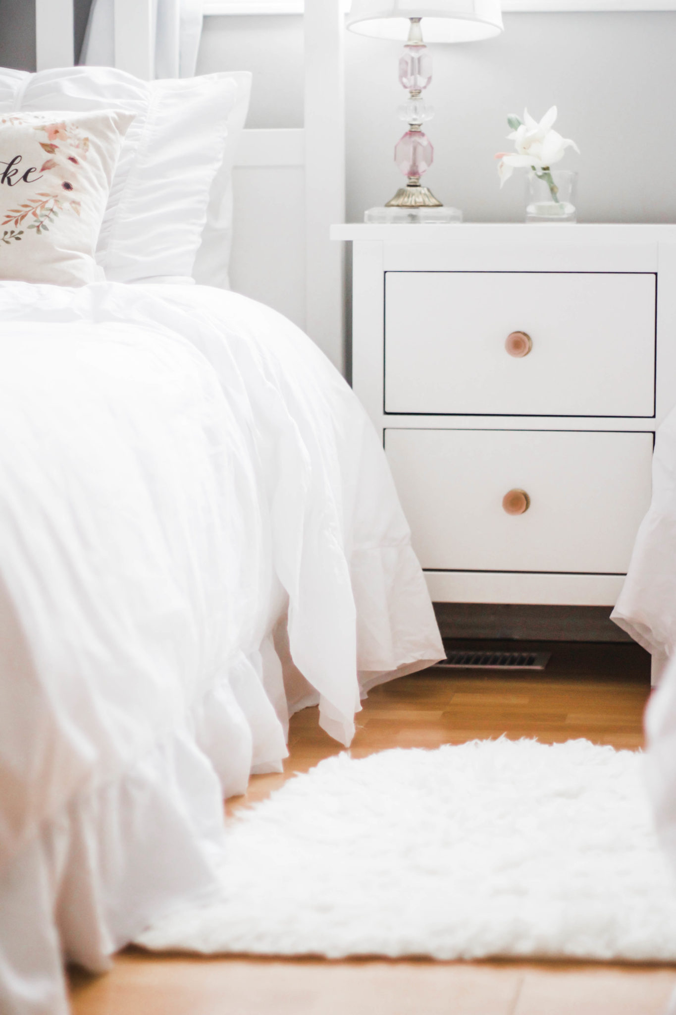 The Nightstand Again From Ikea Is Very Minimal And Exactly What I Wanted For Girls Hemnes Comes With Black Knobs So Swapped
